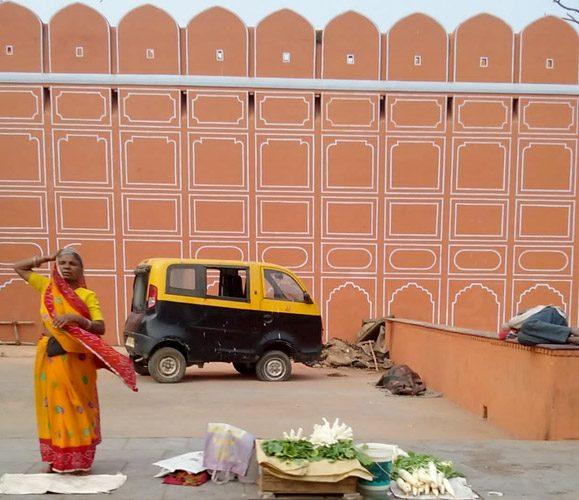 Raw Mango Fashion Donna indiana al mercato